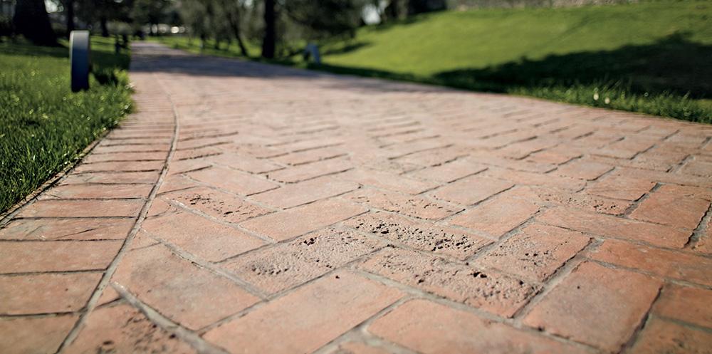 pavimento stampato viale giardino